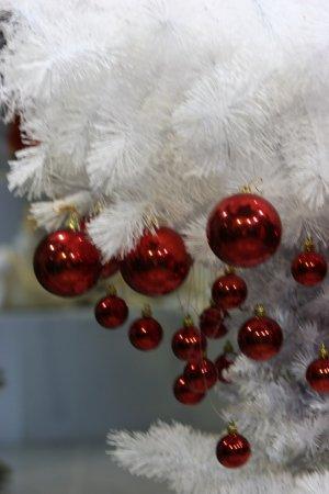 Создании коллекции авторских елок для компании REMECO